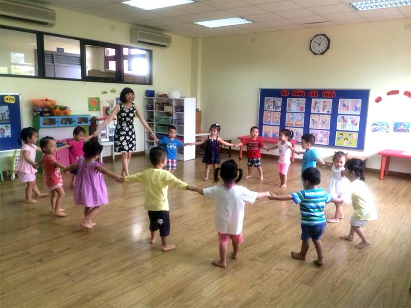 Trẻ múa và tăng tính đoàn kết