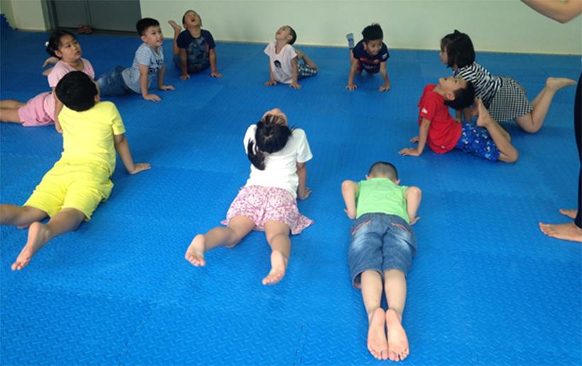 HA nhap mon Yoga he 2016 17 Hanoi Academy nhập môn Yoga hè 2016