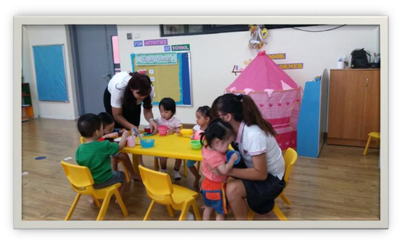 Tuan di hoc Dolphin 7   Ngày đầu tiên đến trường của các bé lớp Dolphin