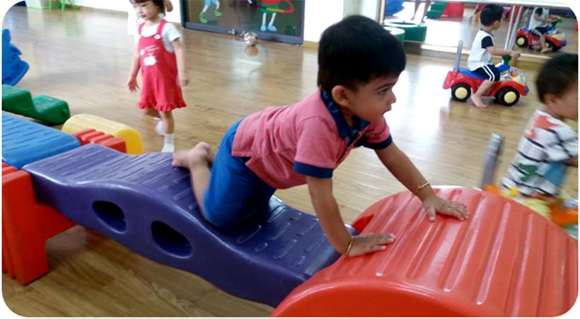 Tuan di hoc Dolphin 8   Ngày đầu tiên đến trường của các bé lớp Dolphin