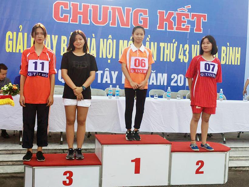 CK giai chay bao HNM vi hoa binh 02 Minh Trang – vận động viên mang lại một khởi đầu tốt đẹp