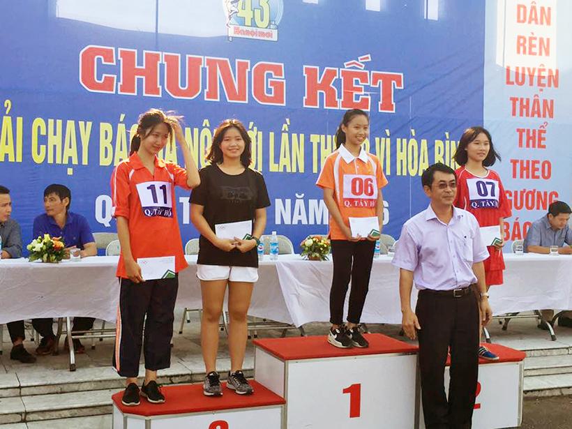 CK giai chay bao HNM vi hoa binh 04 Minh Trang – vận động viên mang lại một khởi đầu tốt đẹp