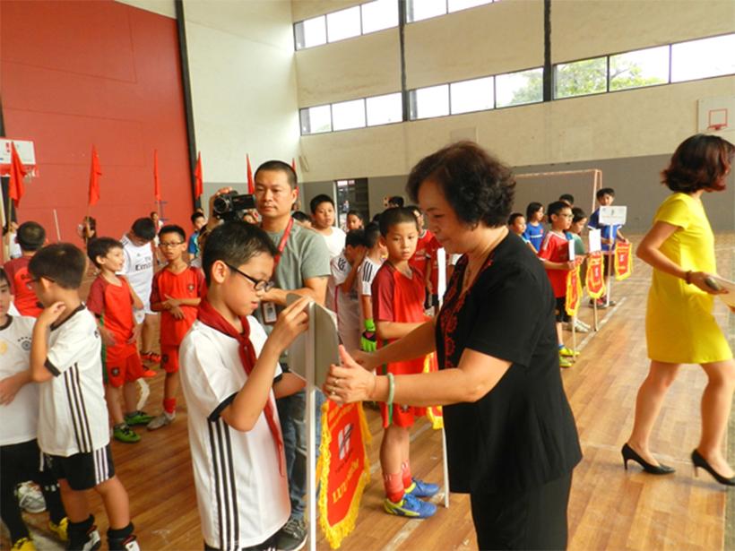 Soi noi HKPD 12 Sôi nổi Lễ khai mạc Hội Khỏe Phù Đổng Trường Tiểu Học Hanoi Academy