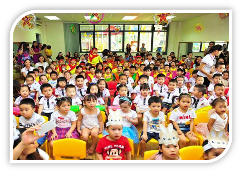 """Vui hoi trang ram cua be MN 08 """"Vui hội trăng rằm"""" của các bé trường Mầm non Hanoi Academy"""