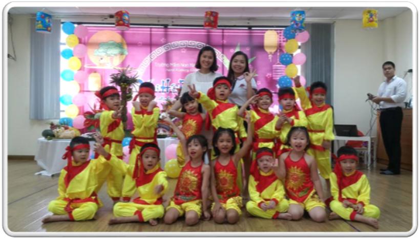 """Vui hoi trang ram cua be MN 09 """"Vui hội trăng rằm"""" của các bé trường Mầm non Hanoi Academy"""