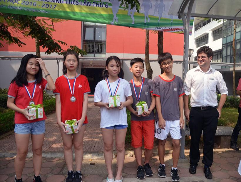 DK lan VI THCS 12 Giải điền kinh lần thứ VI trường THCS Hanoi Academy