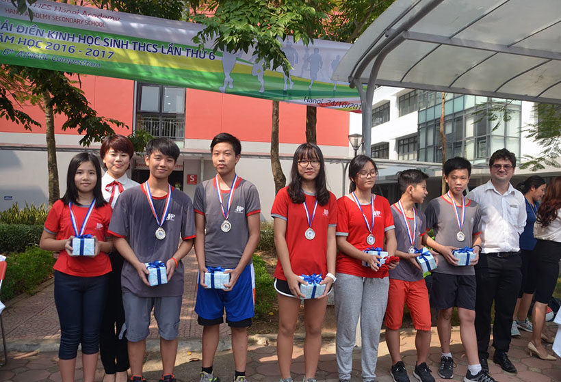 DK lan VI THCS 3 Giải điền kinh lần thứ VI trường THCS Hanoi Academy
