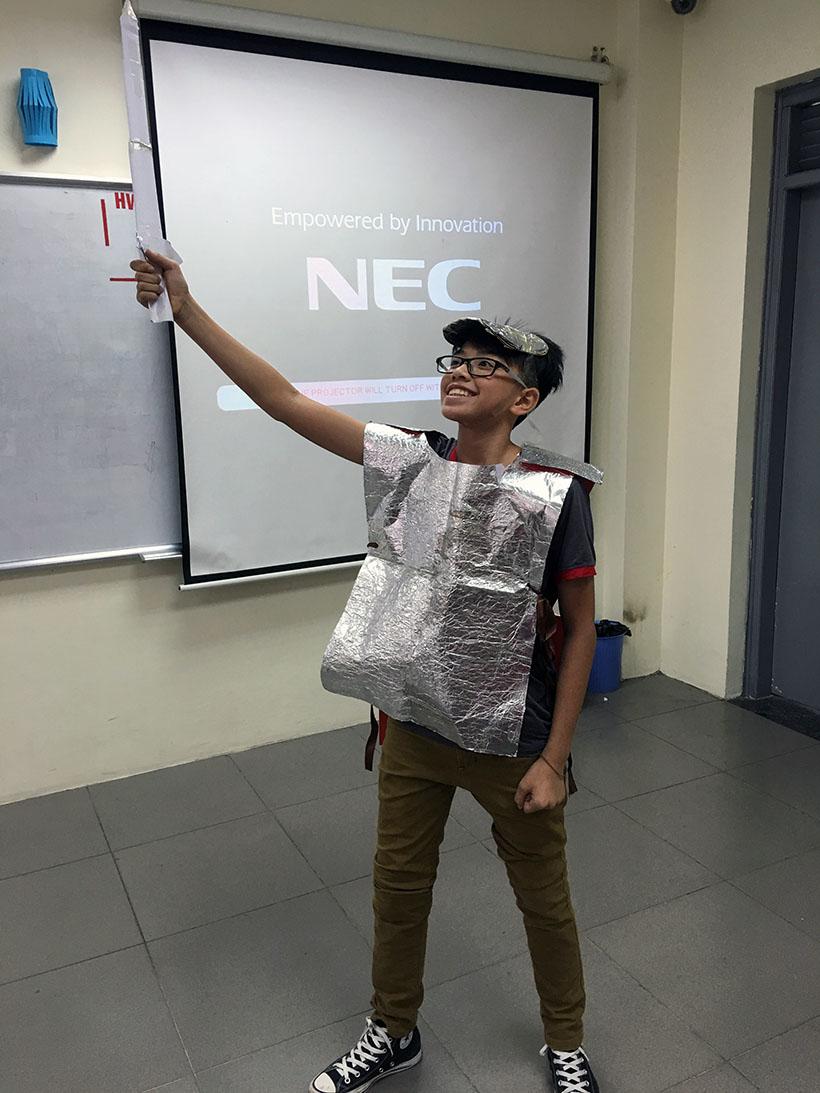 Donkihote 3 Đôn-ki-hô-tê và hành trình đến với học sinh Hanoi Academy