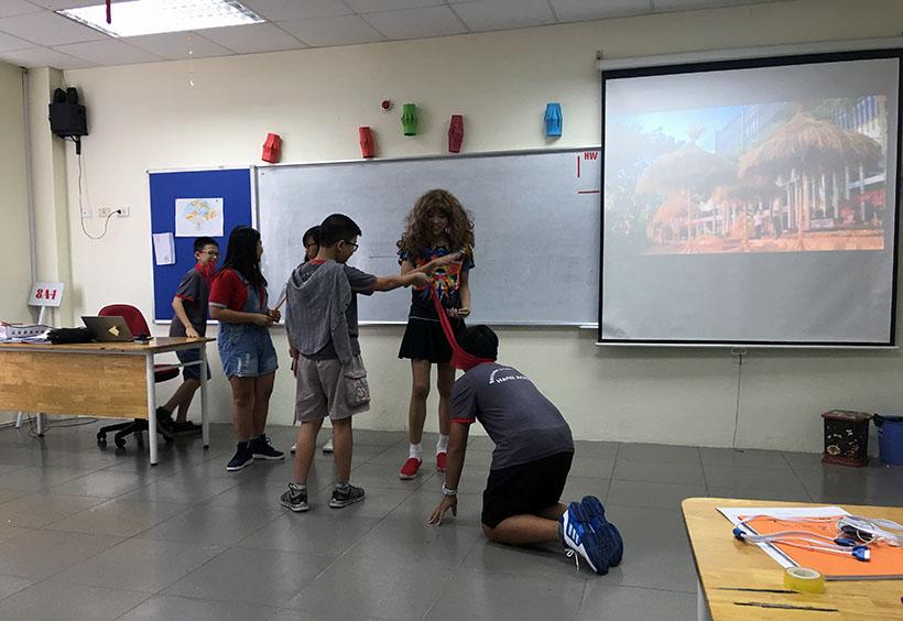 Donkihote 4 Đôn-ki-hô-tê và hành trình đến với học sinh Hanoi Academy