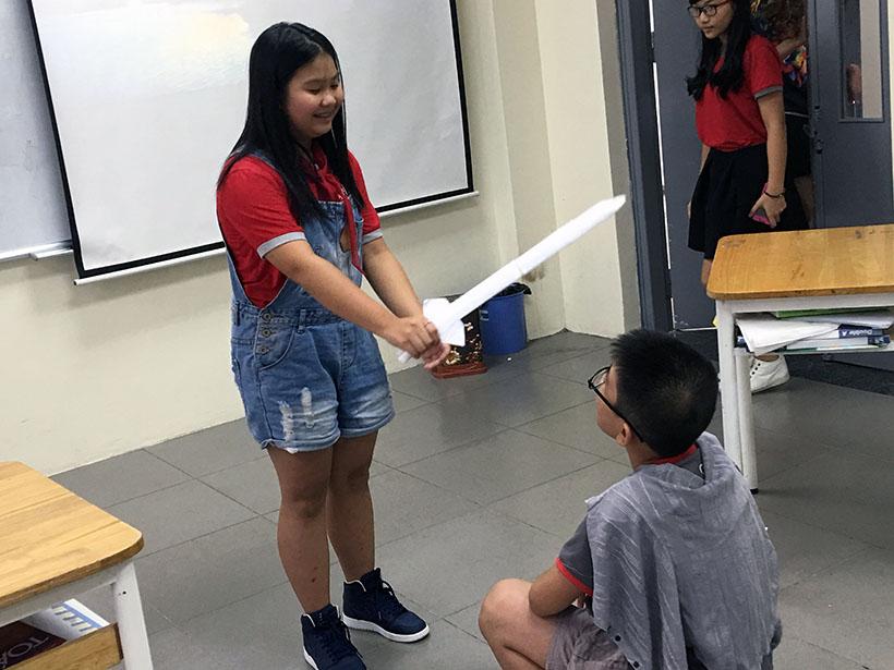 Donkihote 5 Đôn-ki-hô-tê và hành trình đến với học sinh Hanoi Academy