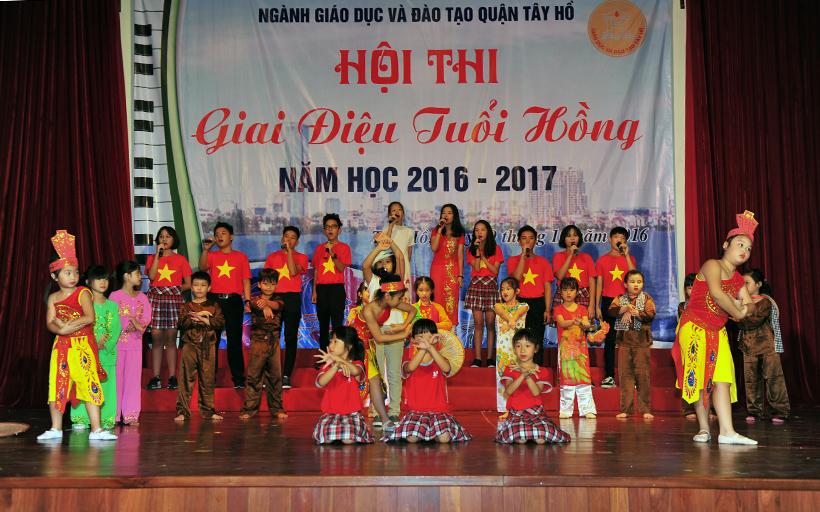 """Giai dieu tuoi hong 4 Trường Hanoi Academy với hội thi """"Giai điệu Tuổi Hồng"""" ngành GD&ĐT quận Tây Hồ năm học 2016 – 2017"""