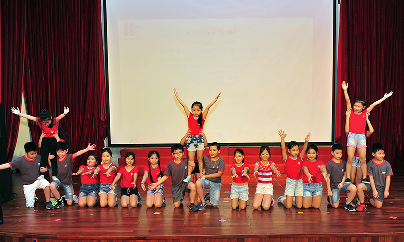 """Me va co 2 nguoi me hien 1 Trường Tiểu học Hanoi Academy với chuyên đề sinh hoạt tập thể """"Mẹ và Cô – Hai người mẹ hiền"""""""