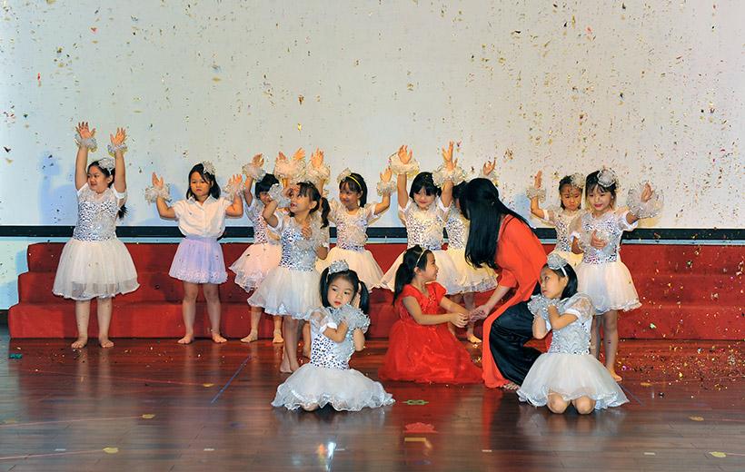 """Me va co 2 nguoi me hien 10 Trường Tiểu học Hanoi Academy với chuyên đề sinh hoạt tập thể """"Mẹ và Cô – Hai người mẹ hiền"""""""