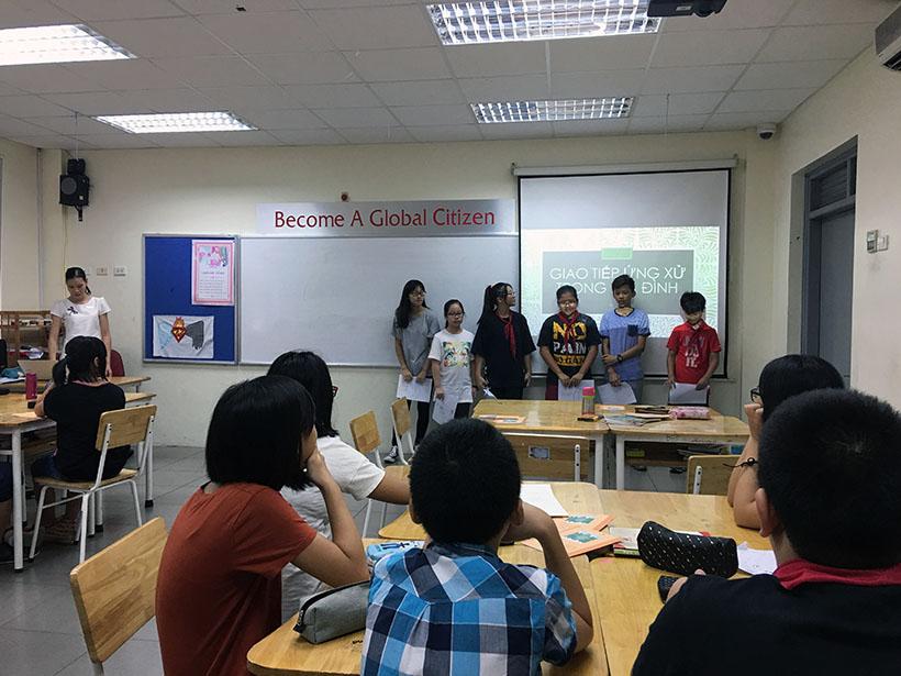 Van minh thanh lich 1 Thầy và trò trường THCS Hanoi Academy trong phong trào giáo dục Nếp sống văn minh thanh lịch