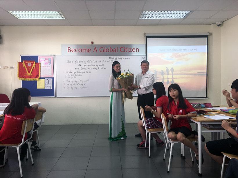 Van minh thanh lich 11 Thầy và trò trường THCS Hanoi Academy trong phong trào giáo dục Nếp sống văn minh thanh lịch