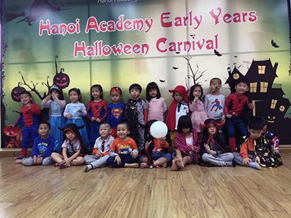 Be lop Kangaroo voi Halloween 36 Bé lớp Kangaroo với lễ hội Halloween