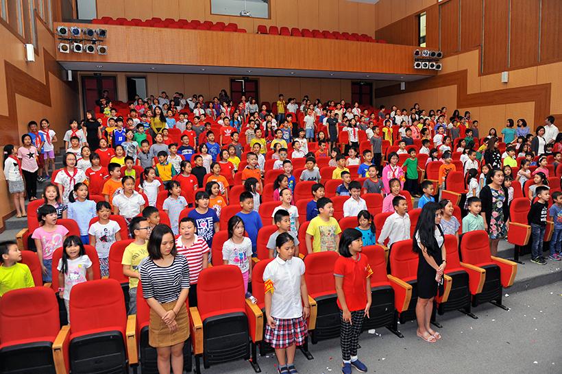lễ kết nạp Đội viên Chuyên đề sinh hoạt tập thể và lễ kết nạp Đội viên mới năm học 2016 – 2017 chào mừng ngày Nhà giáo Việt Nam 20-11