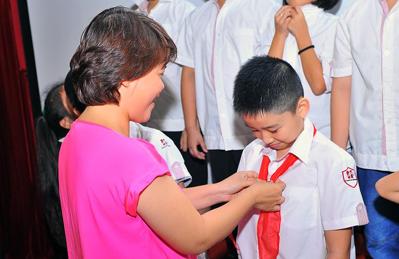 Chuyen de chao mung 20-11 5 Chuyên đề sinh hoạt tập thể và lễ kết nạp Đội viên mới năm học 2016 – 2017 chào mừng ngày Nhà giáo Việt Nam 20-11