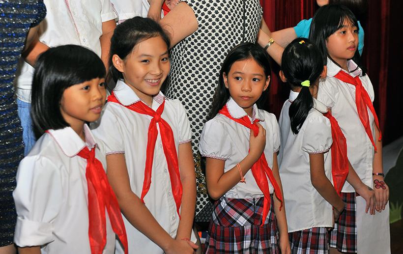 Chuyen de chao mung 20-11 6 Chuyên đề sinh hoạt tập thể và lễ kết nạp Đội viên mới năm học 2016 – 2017 chào mừng ngày Nhà giáo Việt Nam 20-11