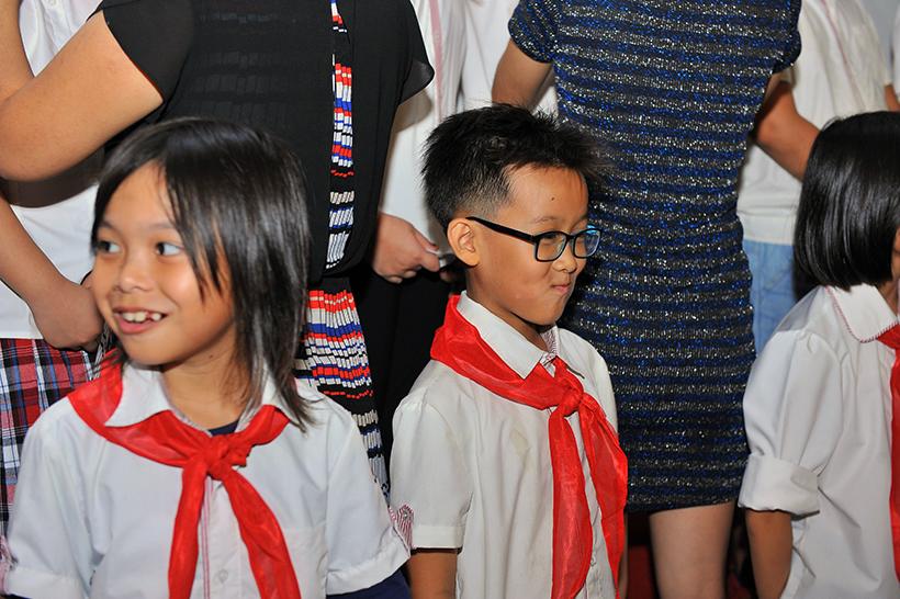 Chuyen de chao mung 20-11 7 Chuyên đề sinh hoạt tập thể và lễ kết nạp Đội viên mới năm học 2016 – 2017 chào mừng ngày Nhà giáo Việt Nam 20-11