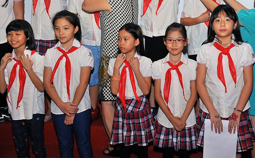 Chuyen de chao mung 20-11 8 Chuyên đề sinh hoạt tập thể và lễ kết nạp Đội viên mới năm học 2016 – 2017 chào mừng ngày Nhà giáo Việt Nam 20-11