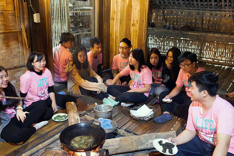 Cuoc thi nau an giua nui rung 1 Cuộc thi nấu ăn ở giữa núi rừng