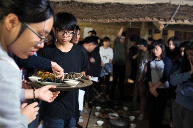 Cuoc thi nau an giua nui rung 10 Cuộc thi nấu ăn ở giữa núi rừng