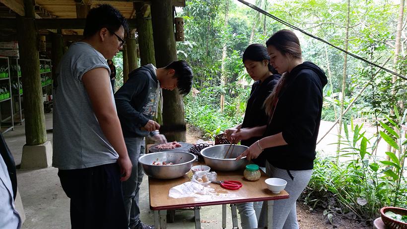 Cuoc thi nau an giua nui rung 5 Cuộc thi nấu ăn ở giữa núi rừng