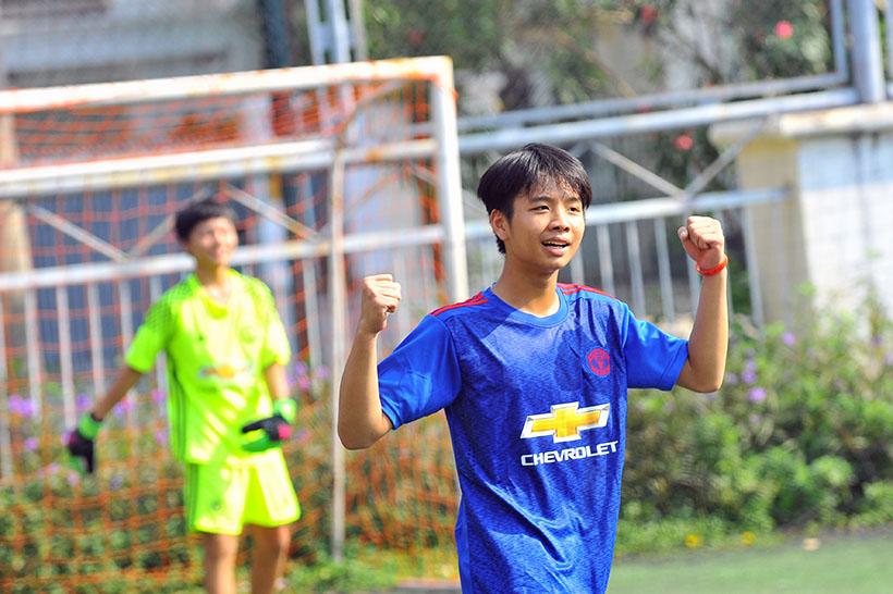 Football tournament 3 Khi cảm xúc lăn cùng trái bóng