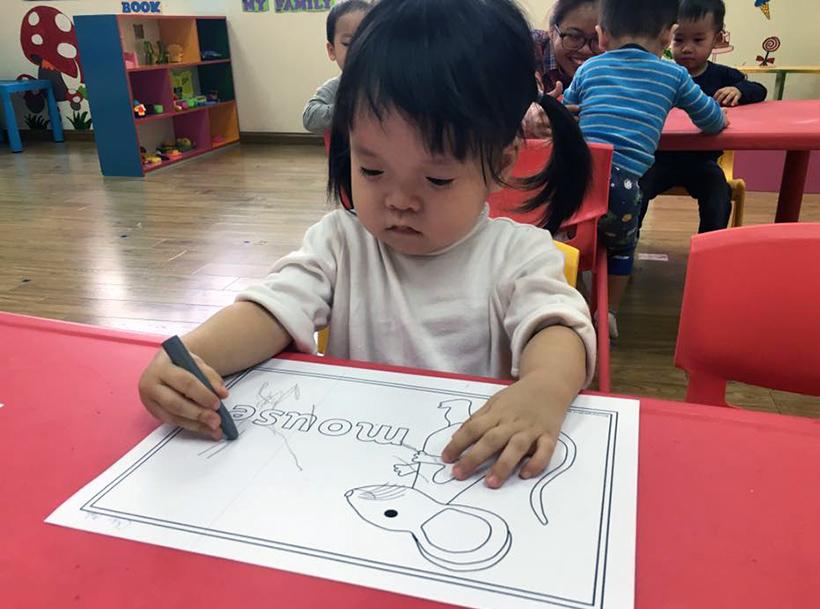 Giup be manh dan, tu tin trong cuoc song 8 giúp bé mạnh dạn tự tin trong cuộc sống