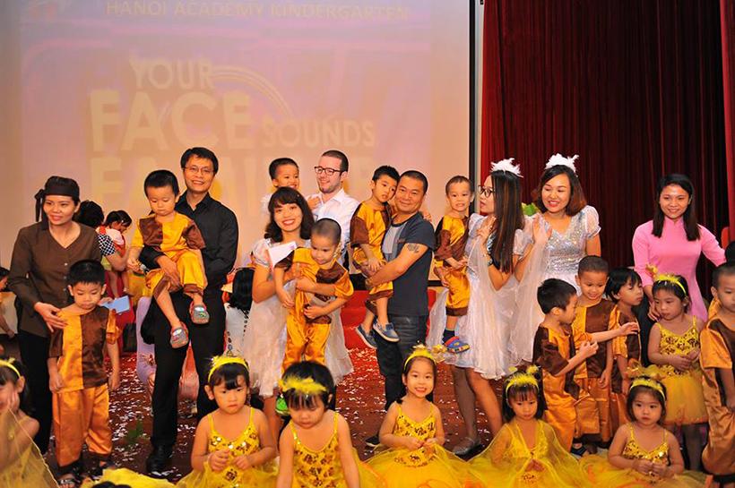 """Guong mat than quen vui nhon 15 Sân chơi """" Gương mặt thân quen vui nhộn"""" cho các bé Mầm non Hanoi Academy"""