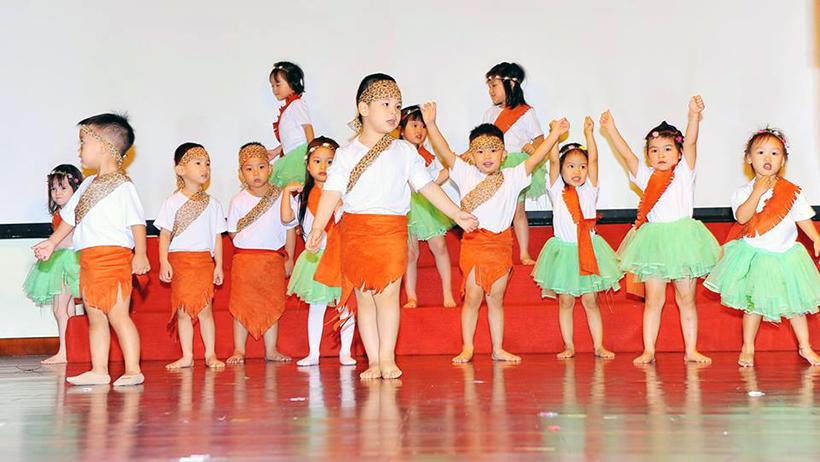 """Guong mat than quen vui nhon 5 Sân chơi """" Gương mặt thân quen vui nhộn"""" cho các bé Mầm non Hanoi Academy"""