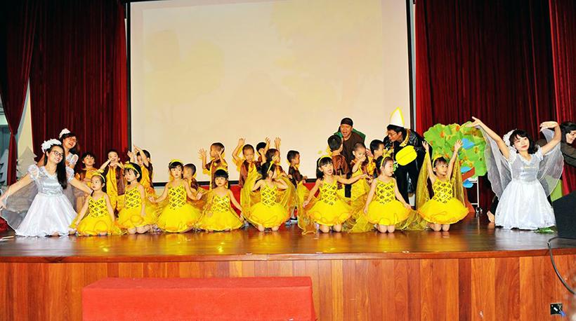 """Guong mat than quen vui nhon 8 Sân chơi """" Gương mặt thân quen vui nhộn"""" cho các bé Mầm non Hanoi Academy"""