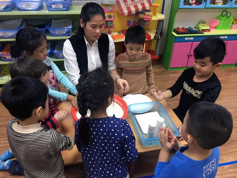 Hoc KNS cho tre nho 5 Trang bị kĩ năng sống với trẻ nhỏ không bao giờ là quá sớm!