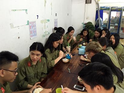Hoi thao Quoc Phong 4 Chúng tớ tham gia Hội thao giáo dục quốc phòng an ninh