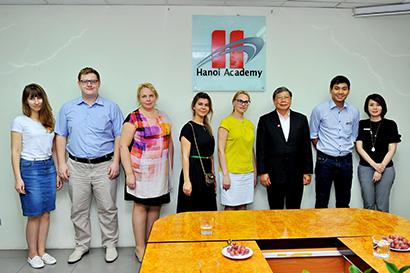 Truong DH Nga tim co hoi hop tac 4 Trường đại học Tổng hợp Hữu nghị các dân tộc Nga đến Hanoi Academy tìm kiếm cơ hội hợp tác