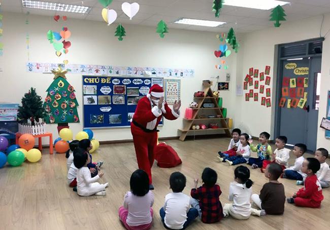 Be MN don Noel 18 Các bé mầm non tưng bừng đón Giáng Sinh