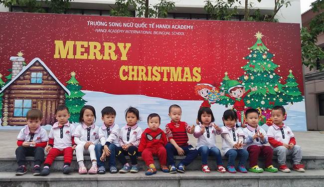 Be MN don Noel 21 Các bé mầm non tưng bừng đón Giáng Sinh