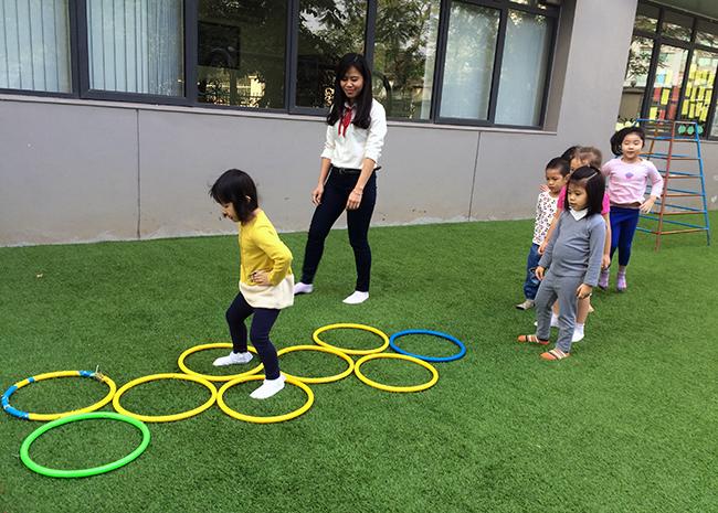 Boi duong tinh yeu thuong dong vat 2.2 Bồi dưỡng tình yêu thương loài vật cho trẻ