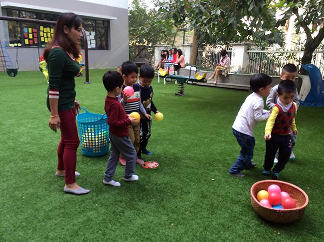Boi duong tinh yeu thuong dong vat 2.3 Bồi dưỡng tình yêu thương loài vật cho trẻ