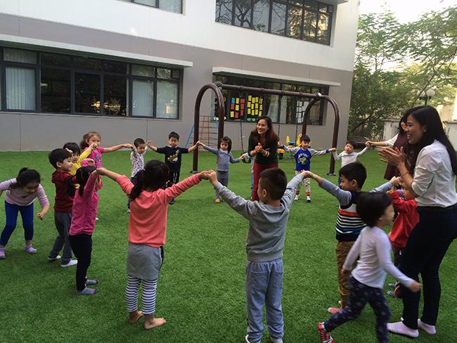 Boi duong tinh yeu thuong dong vat 2.4 Bồi dưỡng tình yêu thương loài vật cho trẻ