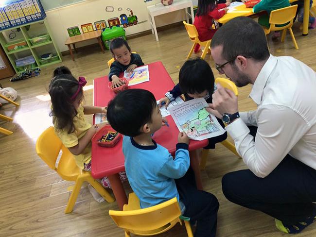 Boi duong tinh yeu thuong dong vat 8.1 Bồi dưỡng tình yêu thương loài vật cho trẻ