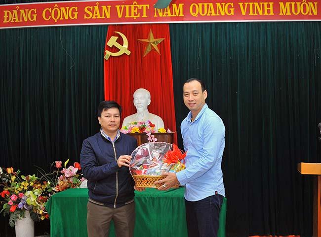 Chung tay vi mien Trung yeu thuong 1 Chung tay vì Miền Trung yêu thương