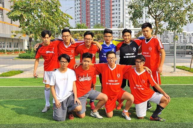 Giao huu bong da HA vs SIS 02 Giao hữu bóng đá giữa Hanoi Academy vs SIS