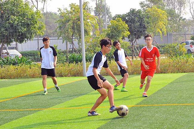 Giao huu bong da HA vs SIS 07 Giao hữu bóng đá giữa Hanoi Academy vs SIS