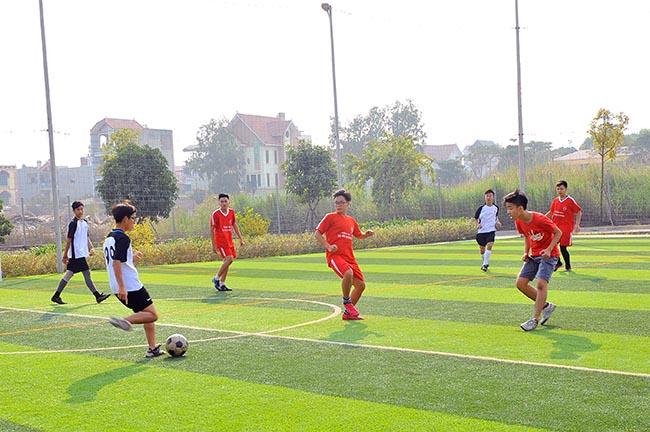 Giao huu bong da HA vs SIS 08 Giao hữu bóng đá giữa Hanoi Academy vs SIS