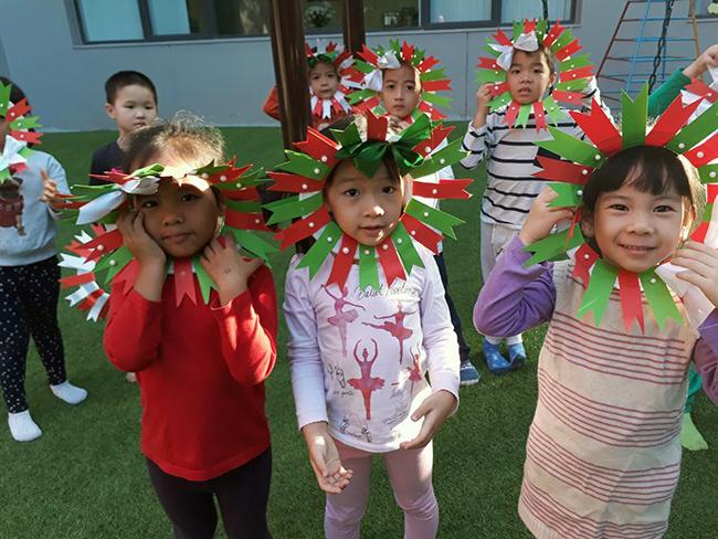 Lop Montesori 19 Lớp Montessori chào đón Noel 2016
