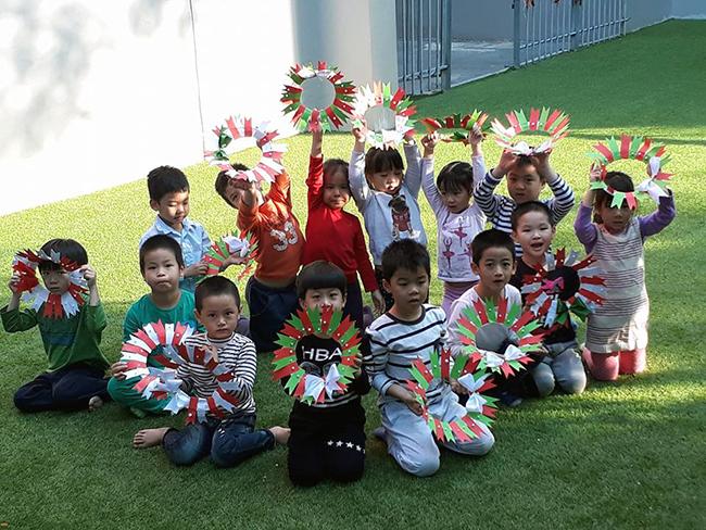 Lop Montesori 21 Lớp Montessori chào đón Noel 2016