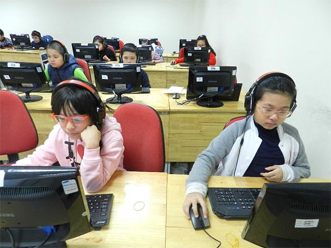 Thi IOE cap truong 1 Học sinh trường Tiểu học Hanoi Academy quyết tâm đạt điểm cao trong kì thi Olympic Tiếng Anh trên Internet cấp trường năm học 2016-2017