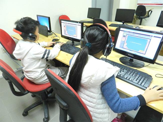 Thi IOE cap truong 11 Học sinh trường Tiểu học Hanoi Academy quyết tâm đạt điểm cao trong kì thi Olympic Tiếng Anh trên Internet cấp trường năm học 2016-2017